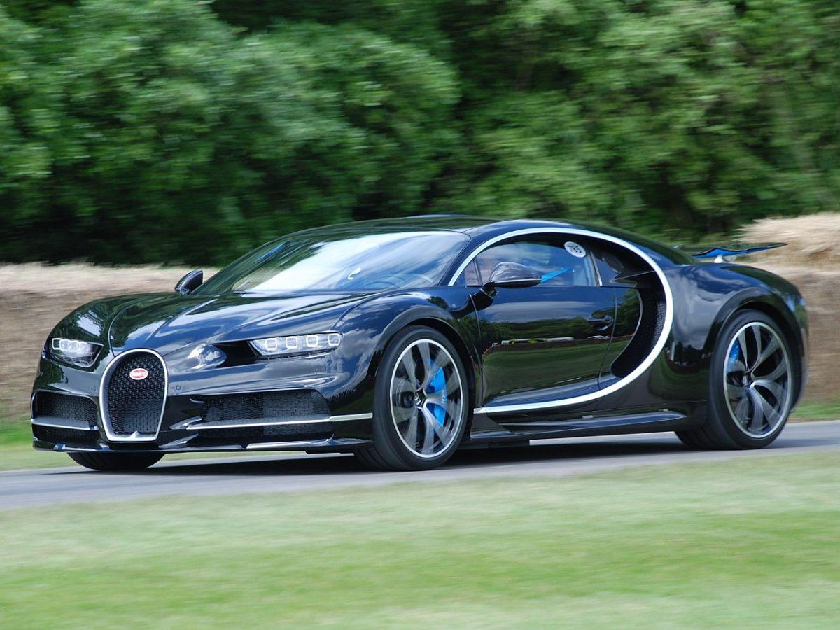 världens-snabbaste-bil-bugatti-chiron-7
